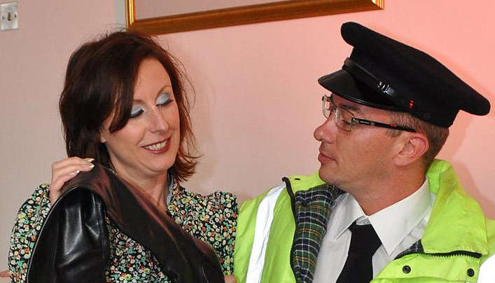 UK MILF Anal : Mom Seduces Officer