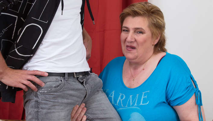 Big Tits Granny For Young Gerontophile