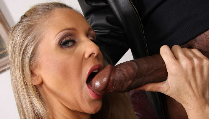 MILF Pornstar Julia Ann Interracial