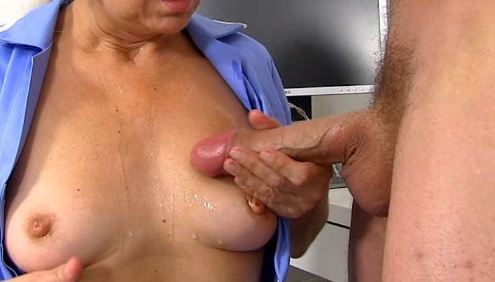 Old Granny Boobs In Young Sperm