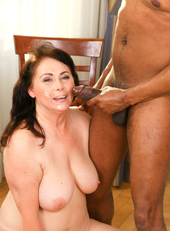 Chubby Mom Interracial Porn - Old Libertines