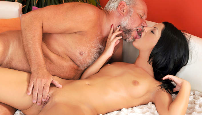 Old Grandpa Fucks Girls : Hungarian Teen Vivien Bell