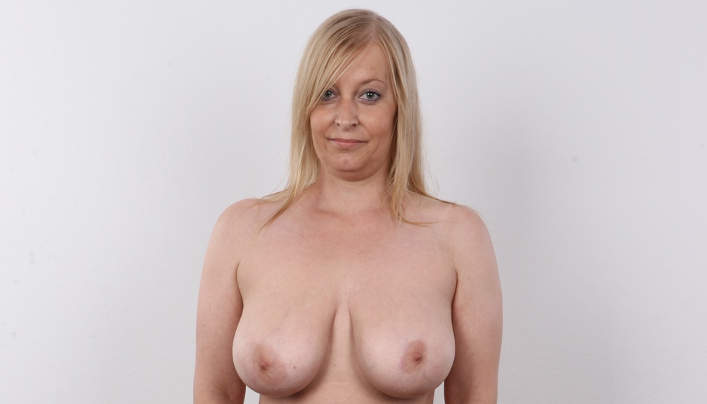 Czech Mom Big Tits : Lewd MILF Olga