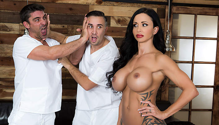 Brazzers MILF Jewels Jade Masseurs Sex