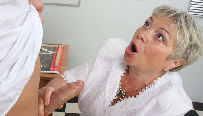 Granny Condom Sex : Chubby Russian Mom Blowjob