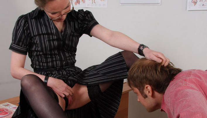 Teacher Sex : Old Woman Spreaded Her Legs