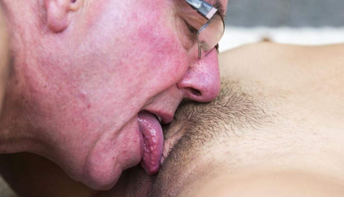 Old Pussylicker Serves Teen Hairy Cunt
