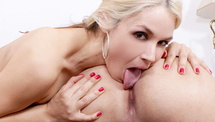 Sarah Vandella Ass Rimjob : Sloppy Tongue Plays With Anus