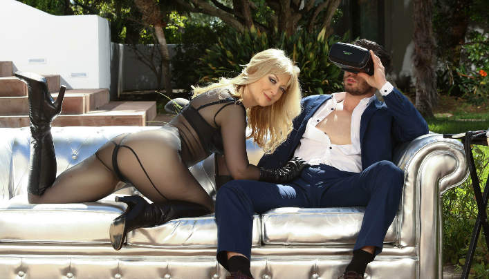 Mature Mom VR Sex : Nina Hartley Fucks With Suited Man