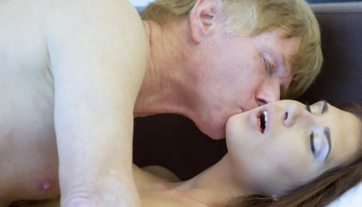 Aida Swinger Old Man Sex : Oldje 608