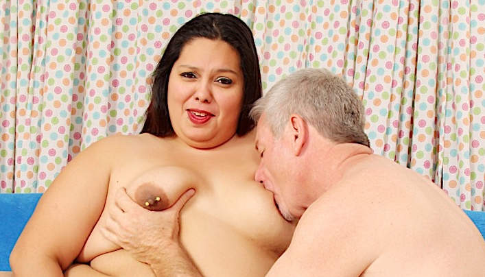 Chubby MILF Anal Sex With Silver Daddy