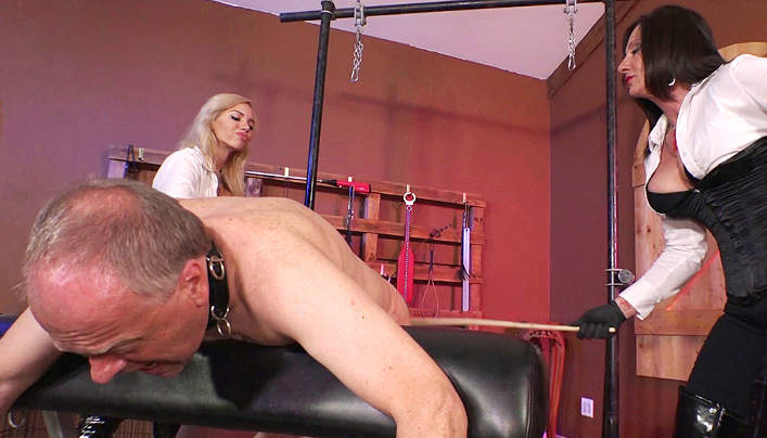 Old Man Femdom Punishment : Whip Wrinkle Buttocks!