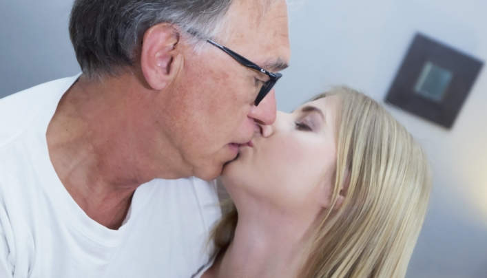 Aria Logan Old Man Porn : Oldje 610