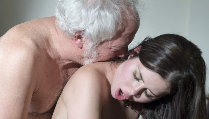 Cassie Right Old Man Sex : Oldje 633