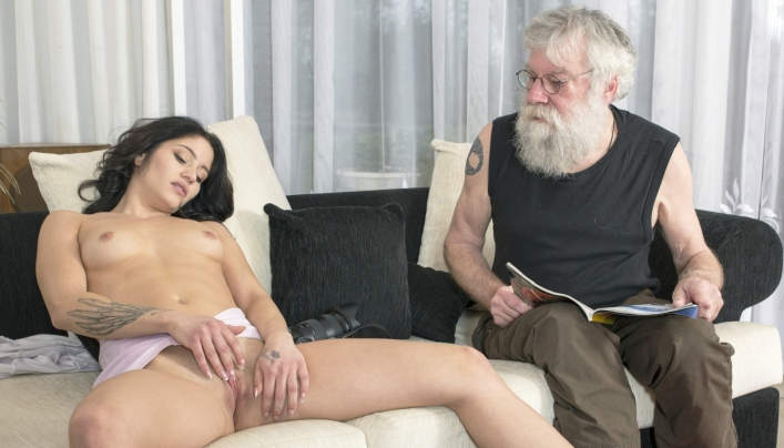 Emily Brix Old Sex : 2018 Oldje 644